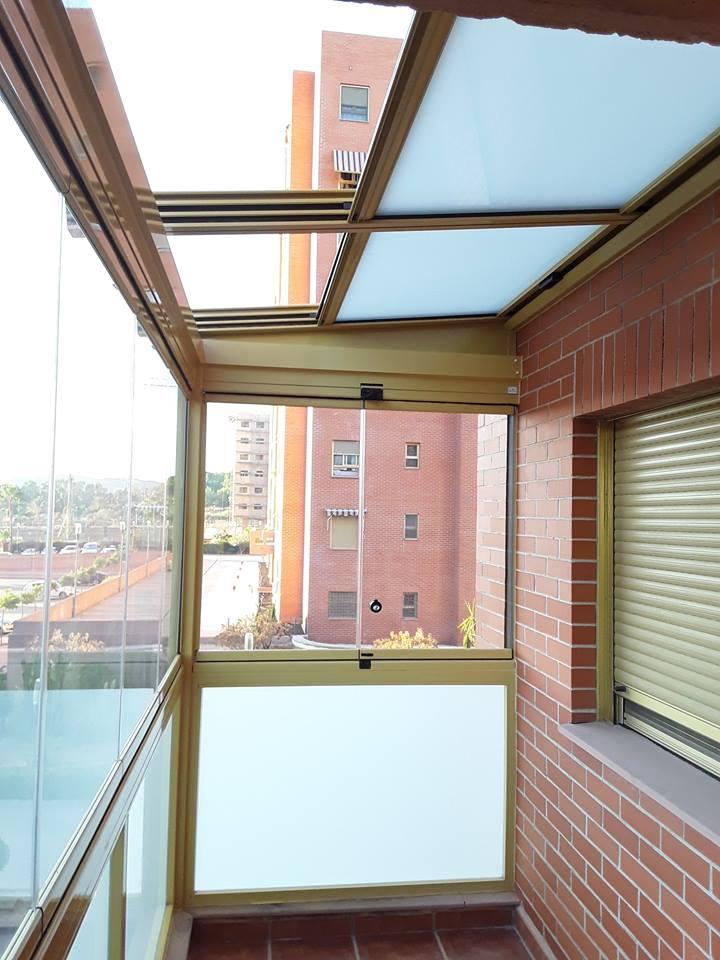 Techo m vil y cortinas de cristal vive tu terraza - Techos moviles para terrazas ...