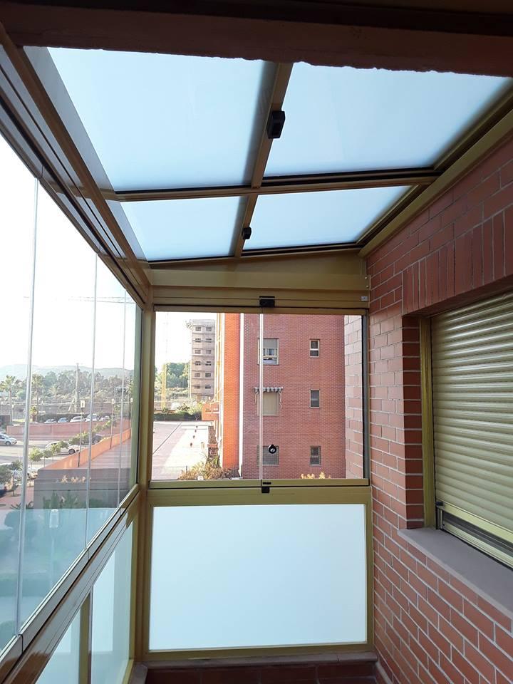 Techo m vil y cortinas de cristal vive tu terraza - Moviles de techo ...